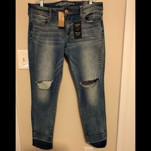 American Eagle Super Low Jegging, Busted Bright